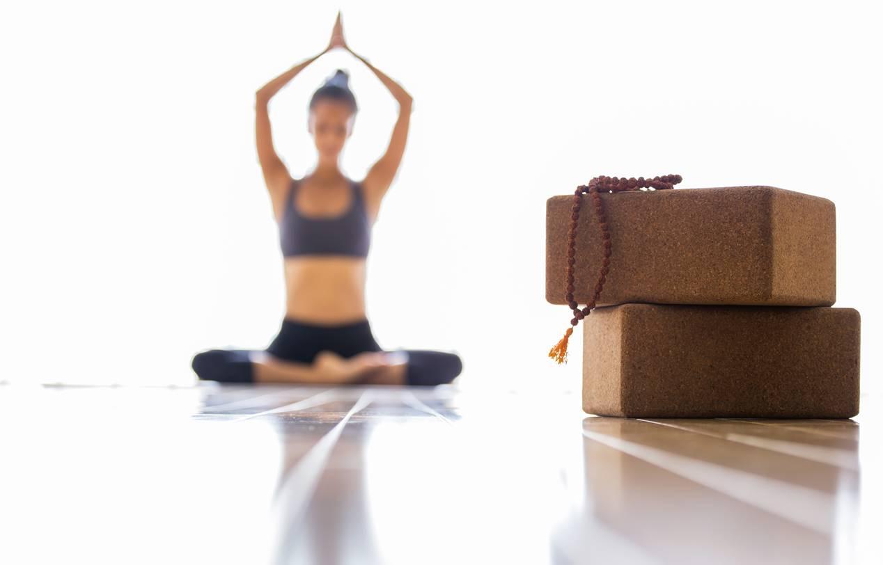 natuerliches yoga zubehoer